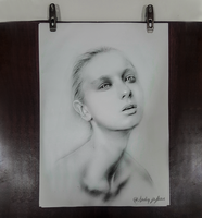 Portrait Girl by DAIGL