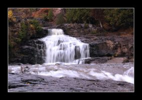 Lower Gooseberry Falls by vbgecko