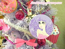 Custom painted Christmas tree ornament by zambicandy
