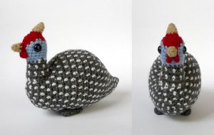 Guinea fowl by LunasCrafts