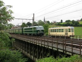 Lobbes 050714 HLE 20 2005 and tram 9974 by kanyiko