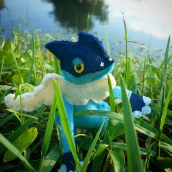Felt Frogadier Guards His Home by LuckyMissClover