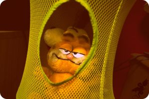 Garfield in a hole by SyvaTheWolf123