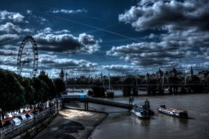Eye Over the Thames by Veganvictim