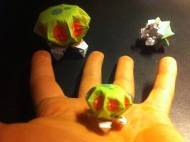 Mini Origami Metroid from Metroid Game by urfer-art
