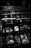 Les Chaises by pwlldu