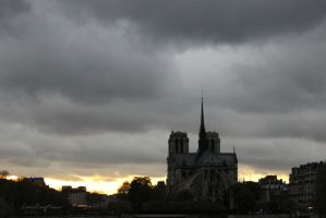Notre-Dame by sunset by LensCreations
