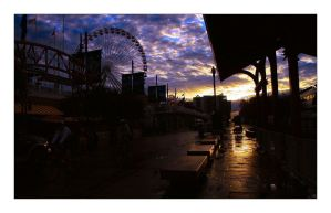 Navy Pier At Day Break by aquapell
