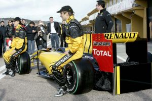 Renault F1 2010 team by 27kw91