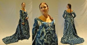 Italian Renaissance dress by Celefindel