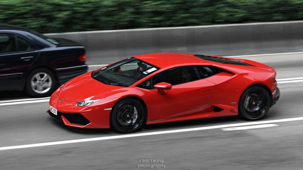 Huracan on Road by IssacLPH