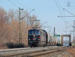 450 007 and 006 with freight near Gyor by morpheus880223