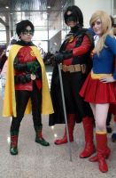 Robin, Red Robin, Supergirl team-up at Comikaze by trivto