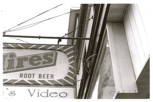 Hires Root Beer by Artiste-Inconnue