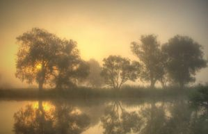 Misty reflection by jeremi12