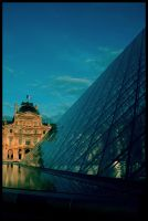Musee du Louvre by divinedecay