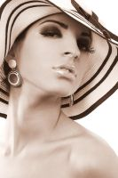 Andreea T by scata