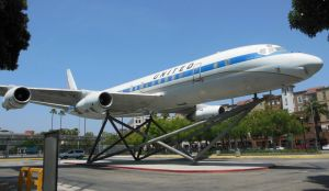 United Airlines Douglas DC-8 by rlkitterman
