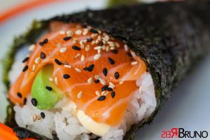 Salmon and Avocado Roll by tolecnaL