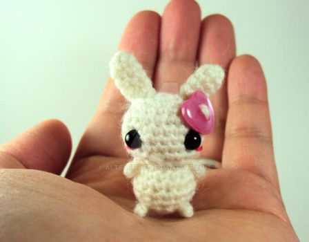 Button Bunny with a Pink Heart by altearithe