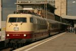 Golden Lady and the golden M by Budeltier
