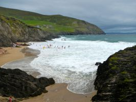 Beach Day in Dingle by volpe60610