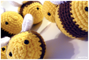 beehive amigurumi by heavyteeth