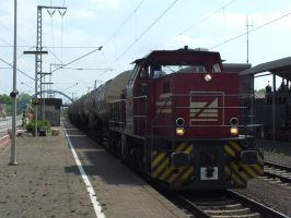 BE D24 with tank wagons by damenster
