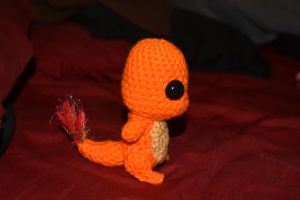 Side View Chibi Charmander :D by YarnHoardingDragon