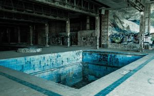 Kozubnik - Fall Swimming Pool by ixada