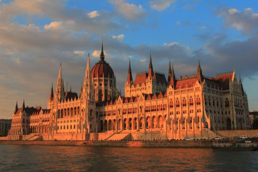Sunset in Budapest by wolfanger17