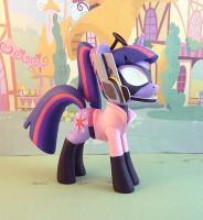 Wonder-Pink Twi by krowzivitch