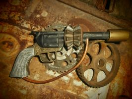 Steampunk pistol by cory27