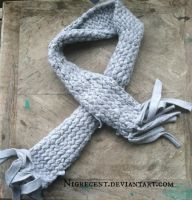 Grey fleece scarf by Nigrecent
