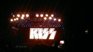 Kiss in Mexico City by Taokk