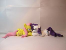Fluttershy and Rarity by EarthenPony