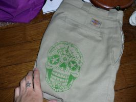 screenprinting on dickies by EYERUS
