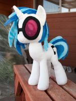 Vinyl Scratch (Single Pic) by adamlhumphreys