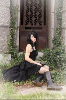 Gothic - Waiting by Gekroent