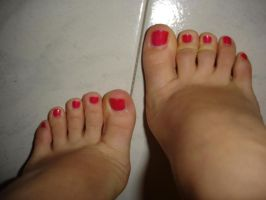 Perfect Sweet Toes in Red by SelfshotYourFeet