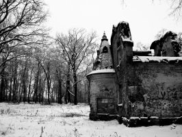 .ruins in the snow. by Aereth-chan
