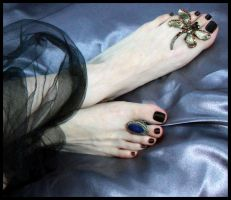 Pies 05 by Lilinaceleste