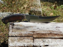 Skinning knife with Thorn and Vine filework by Bladesmith818