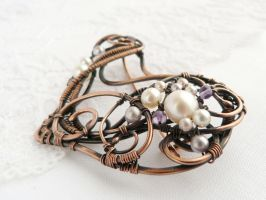 Levender brooch by UrsulaOT