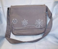 Winter Messenger bag Sac Hiver by ChouchettePeluchette