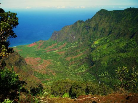 Kalalau Lookout by LadyInquinnsitor