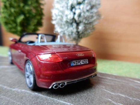 and from the back ... by modelcargallery98