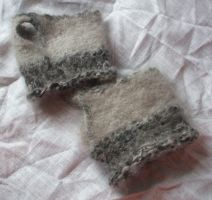 Grey Fingerless Gloves by studiozoe