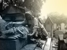 Tombe du Pere-Lachaise I by Thelema001