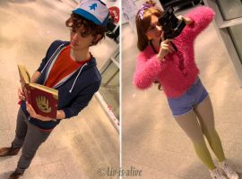 Mystery Twins by Liv-is-alive